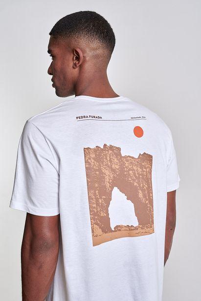 camiseta-pedra-furada-branca