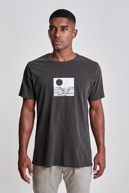 camiseta-liquidy-sea-preto-old